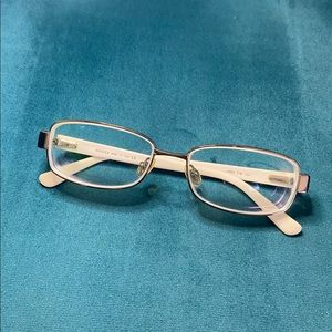 GUCCI Glasses with white temples